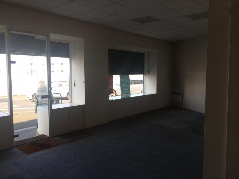 location locaux commerciaux angers 49000 63m2. Black Bedroom Furniture Sets. Home Design Ideas