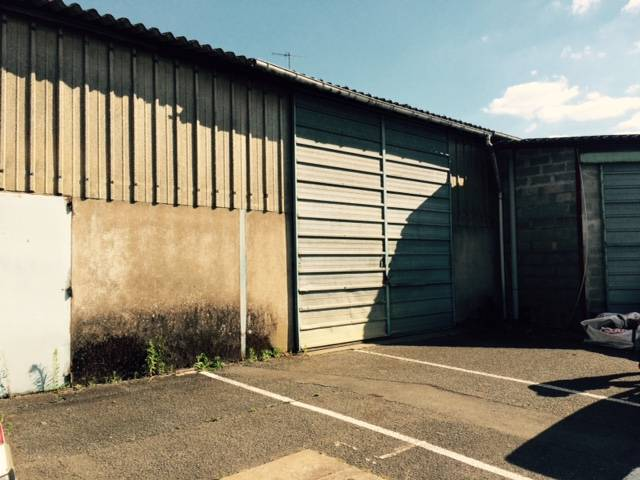 Location locaux d 39 activit s angers 49100 200m2 for Garage ad angers st serge