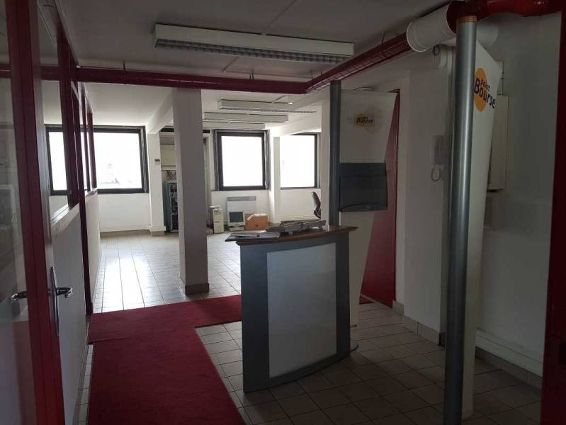location bureaux angers 49100 118m2. Black Bedroom Furniture Sets. Home Design Ideas