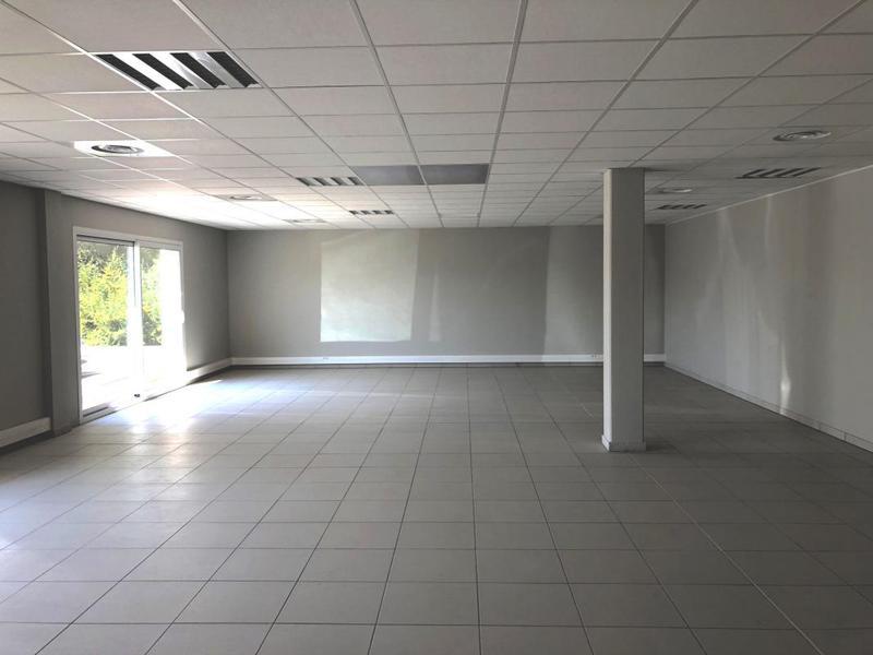 Location Bureaux Les Pennes Mirabeau 13170 - Photo 1