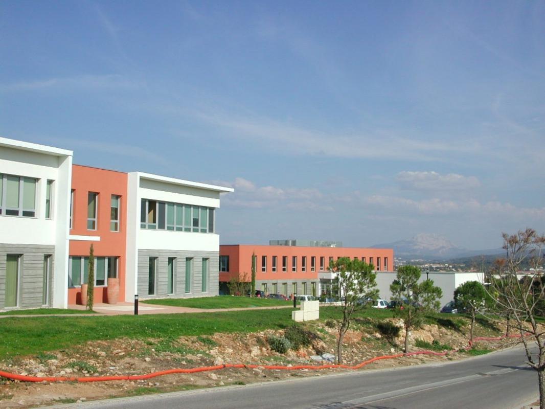 Location Bureau Aix En Provence 13100 144m Bureauxlocaux Com
