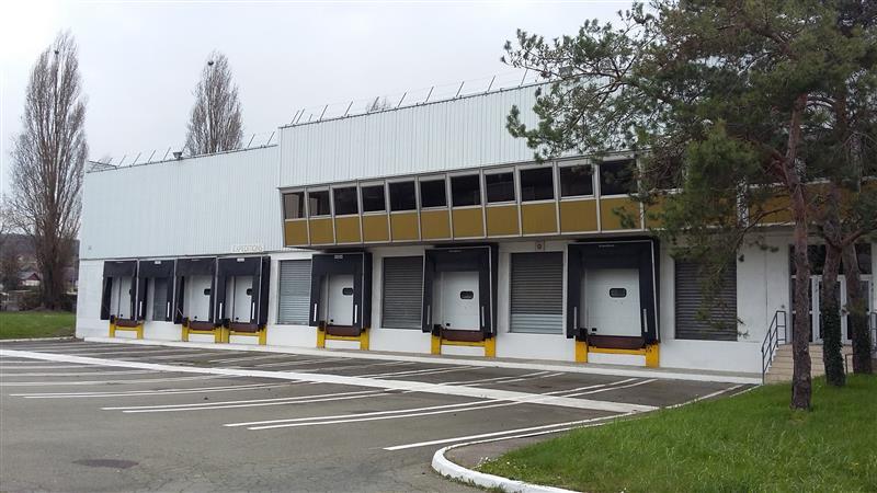 Entrepôt logistique - Photo 1