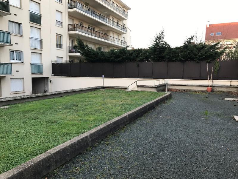 Bureaux terrasse et parkings Montrouge 100 m2 - Photo 1