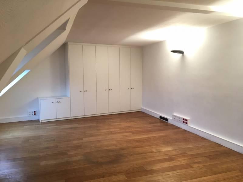 location bureaux paris 75008 46m2. Black Bedroom Furniture Sets. Home Design Ideas
