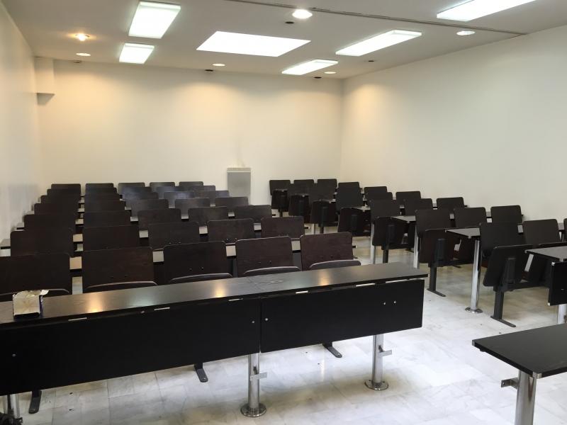 Dans un immeuble récent nous vous proposons des locaux ERP 5