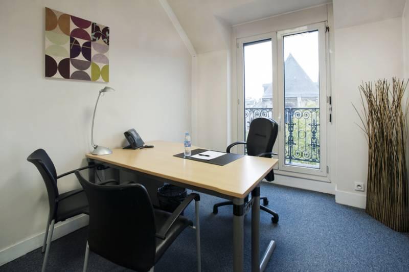 location bureaux paris 3 75003 27m. Black Bedroom Furniture Sets. Home Design Ideas