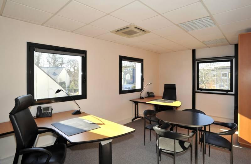 Location coworking nantes m² u bureauxlocaux