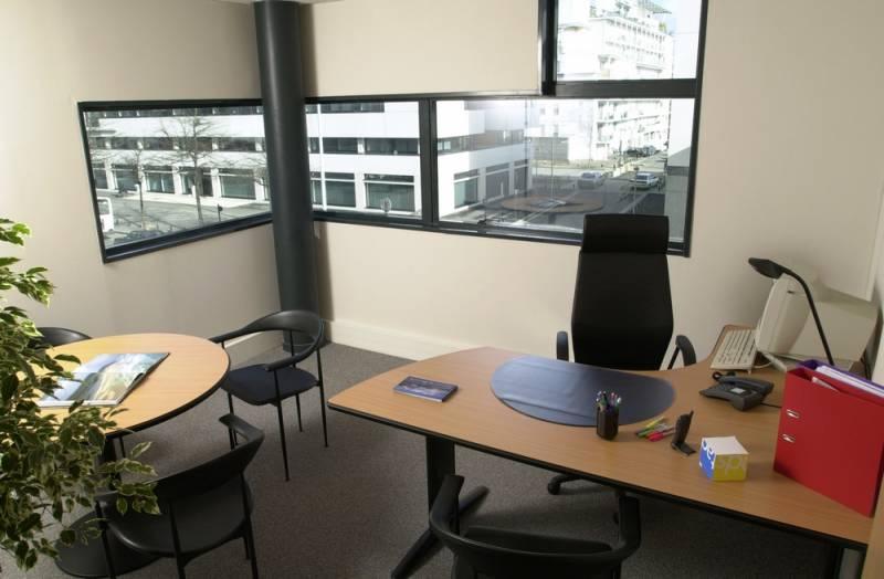 location bureaux nantes 44300 450m2. Black Bedroom Furniture Sets. Home Design Ideas
