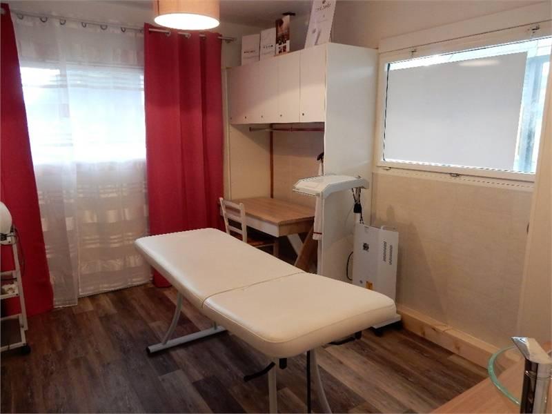vente commerces vannes 56000 110m2. Black Bedroom Furniture Sets. Home Design Ideas