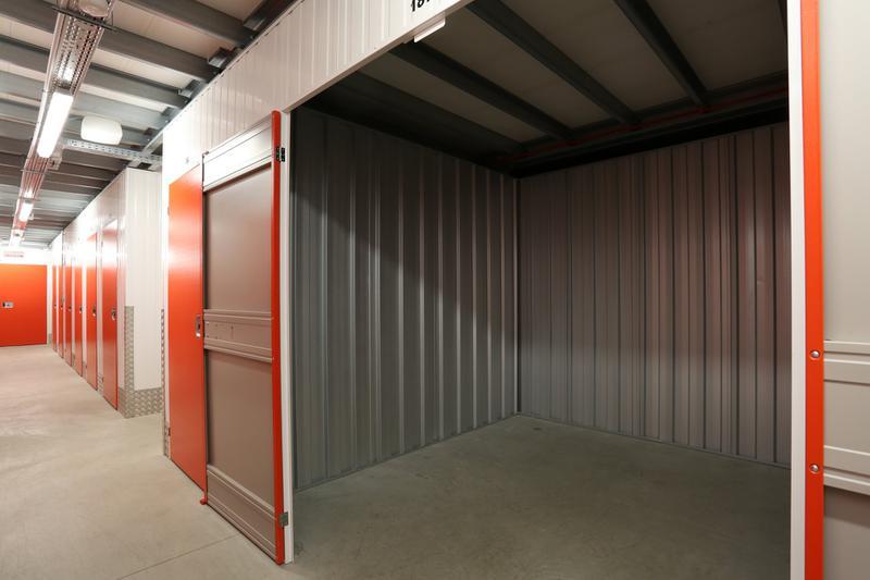 Location souple de box de stockage de 5 à 900 m² - Photo 1