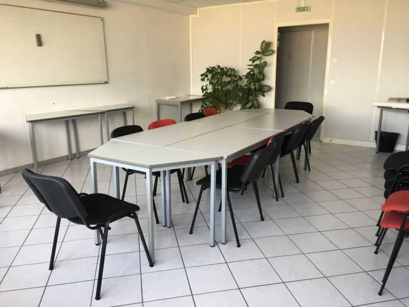 vente bureaux marseille 6 13006 110m2. Black Bedroom Furniture Sets. Home Design Ideas
