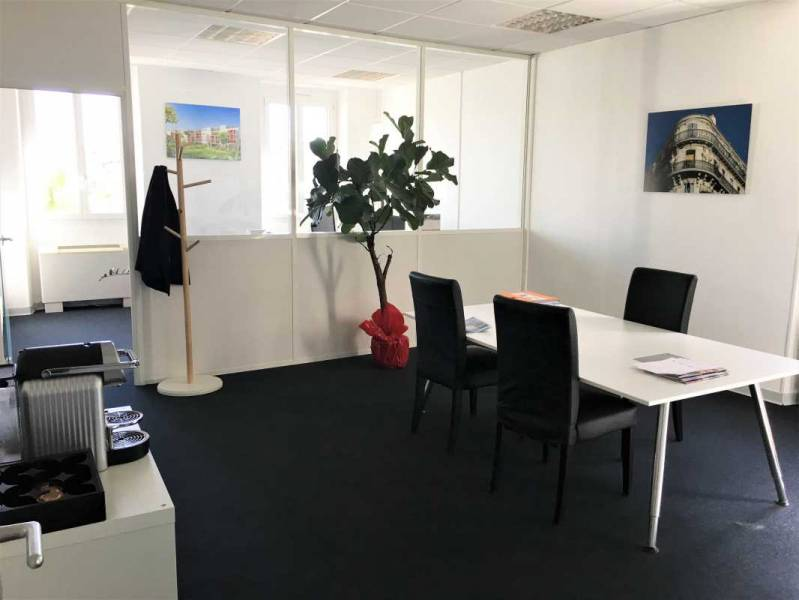 location bureaux marseille 13006 75m2. Black Bedroom Furniture Sets. Home Design Ideas
