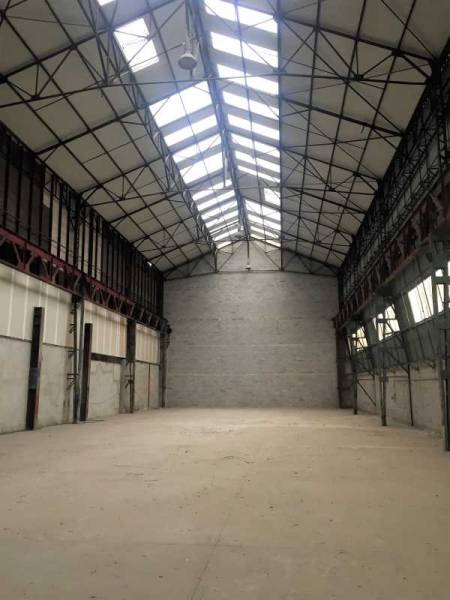 Location entrep t marseille 11 13011 1 000m2 for Garage 13011 marseille