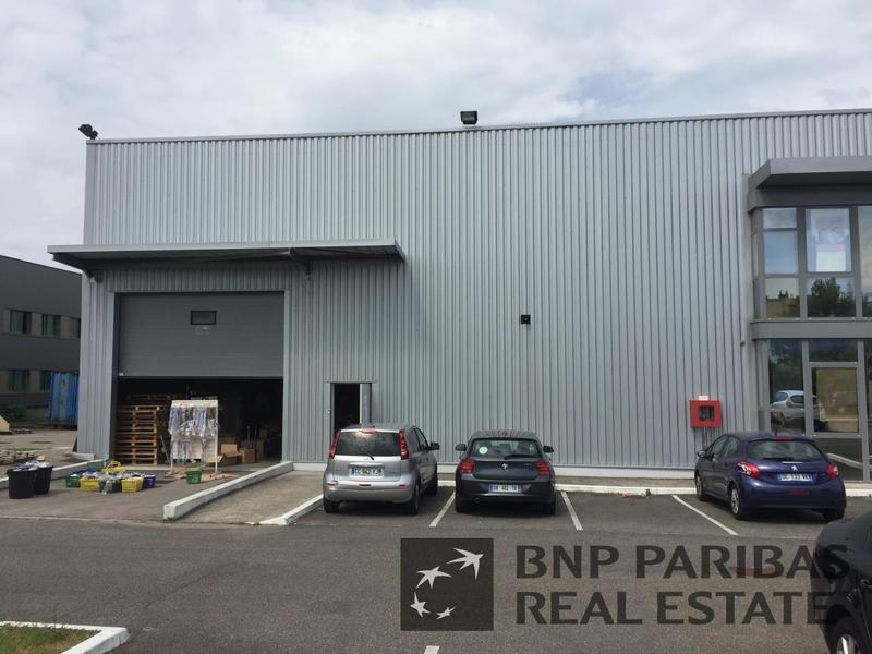 Location Entrepôt VAULX EN VELIN 69120 - Photo 1