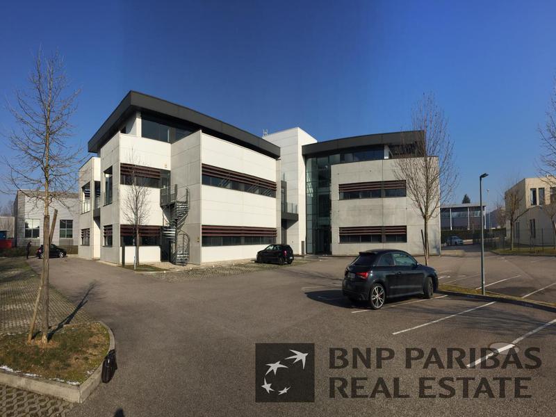 Location Locaux d'activités NEYRON 01700 - Photo 1