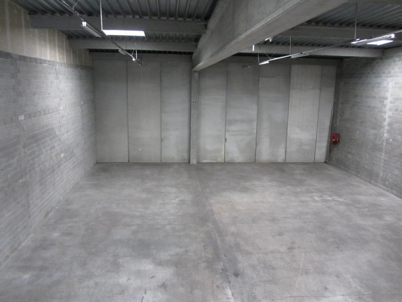 location locaux d 39 activit s nice 06200 970m2. Black Bedroom Furniture Sets. Home Design Ideas