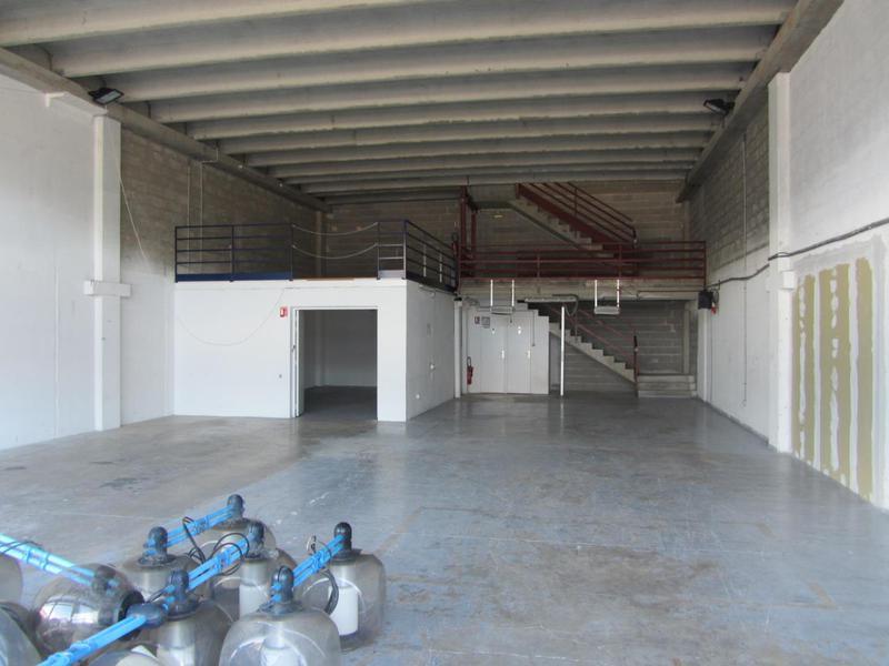 Location Locaux d'activités LE BROC 63500 - Photo 1