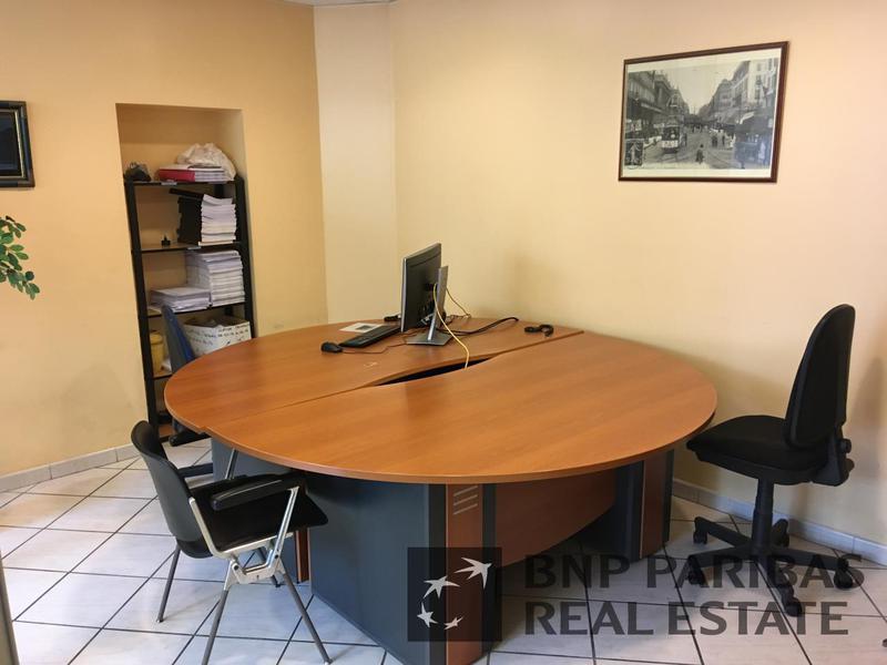 vente bureaux marseille 6 13006 247m2. Black Bedroom Furniture Sets. Home Design Ideas