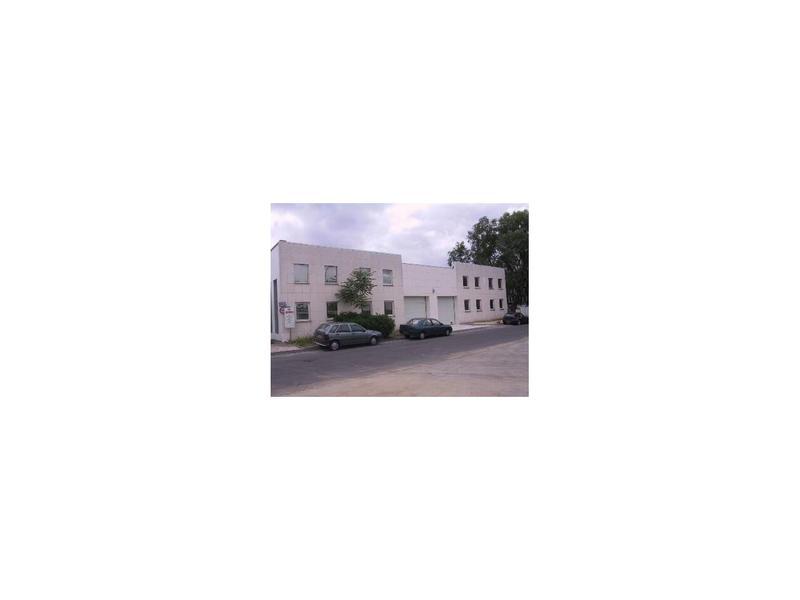 Location Locaux d'activités SAINT OUEN L AUMONE 95310 - Photo 1