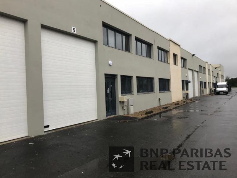 Location Locaux d'activités EMERAINVILLE 77184 - Photo 1