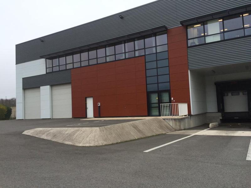 Location Locaux d'activités BRIE COMTE ROBERT 77170 - Photo 1