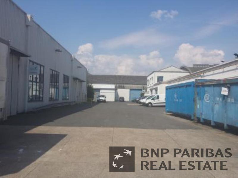 Location Locaux d'activités L ILE SAINT DENIS 93450 - Photo 1