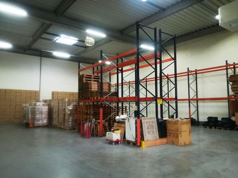 Location Locaux d'activités STAINS 93240 - Photo 1