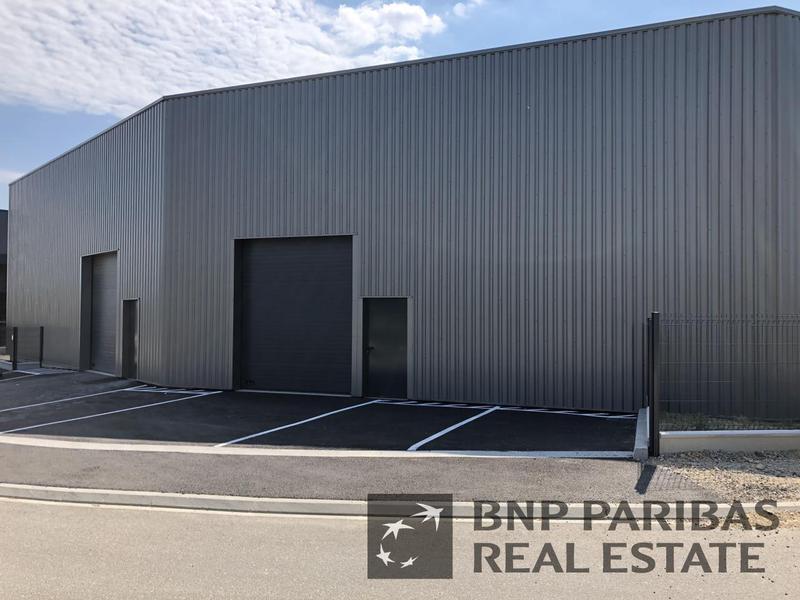 Location Locaux d'activités POMPIGNAC 33370 - Photo 1