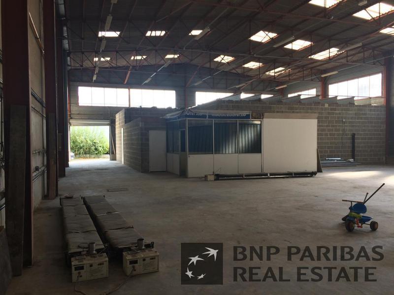 Location Entrepôt RENNES 35000 - Photo 1