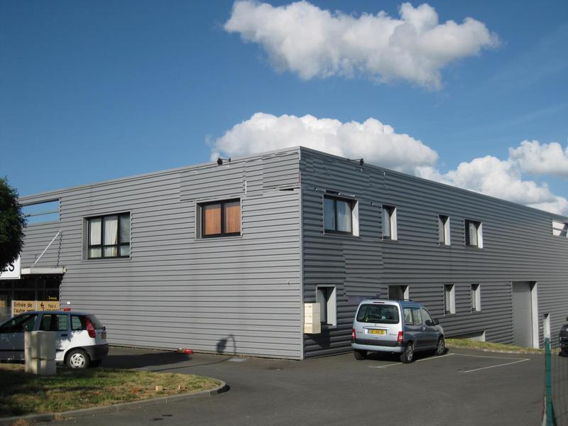 Location Bureaux MONTGERMONT 35760 - Photo 1