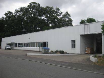 Location entrep t nantes 44300 1 800m2 for Location garage nantes 44300