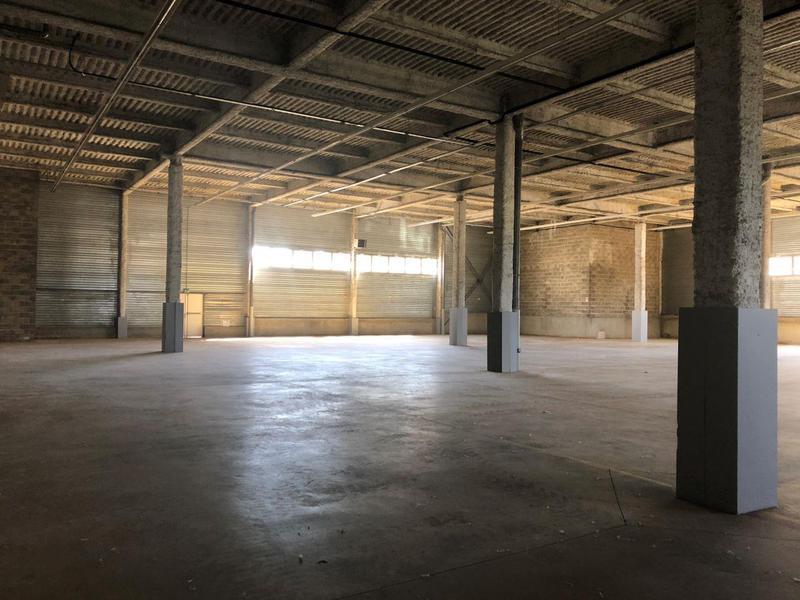 Location Locaux d'activités ORGEVAL 78630 - Photo 1