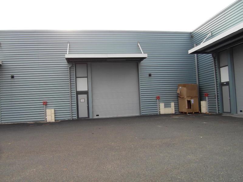 Location Locaux d'activités ECHIROLLES 38130 - Photo 1