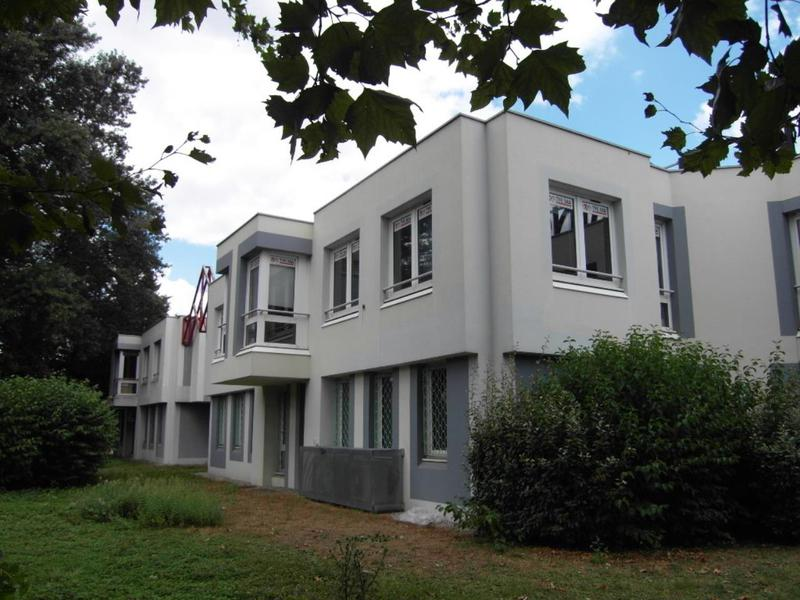 Location Bureaux SAINT EGREVE 38120 - Photo 1