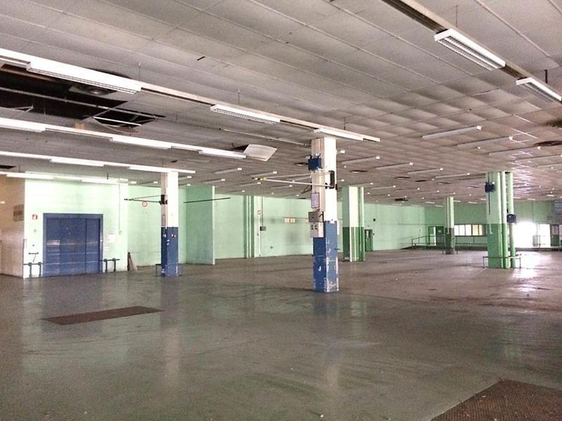 Location Locaux d'activités MONTIGNY LE BRETONNEUX 78180 - Photo 1
