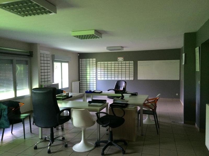 vente locaux d 39 activit s azay le rideau 37190 452m2. Black Bedroom Furniture Sets. Home Design Ideas