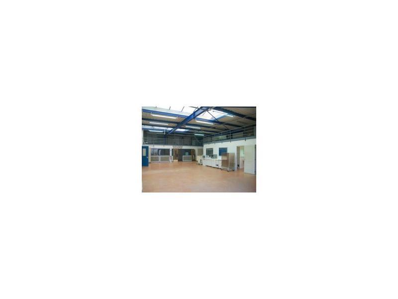 Vente Locaux d'activités LARCAY 37270 - Photo 1