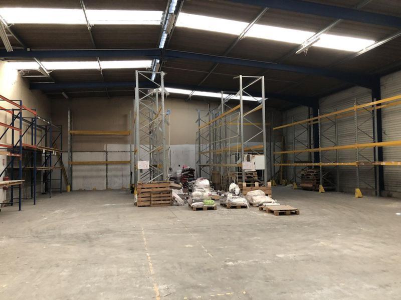 Location Locaux d'activités NOTRE DAME D OE 37390 - Photo 1