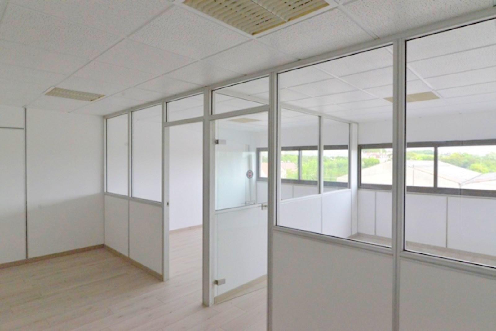 Quai Maurice Berteaux 78230 Le Pecq location bureau maisons-laffitte 78600 313m² – bureauxlocaux